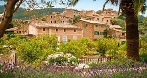 Belmond La Residencia collects Condé Nast award