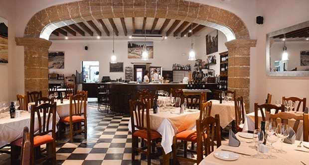 Osteria el patio buenisimo all about mallorca for Bistro del jardin mallorca