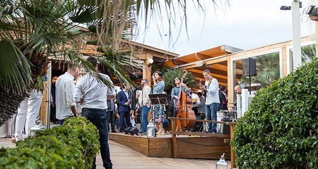 Royal Beach party opens season in style