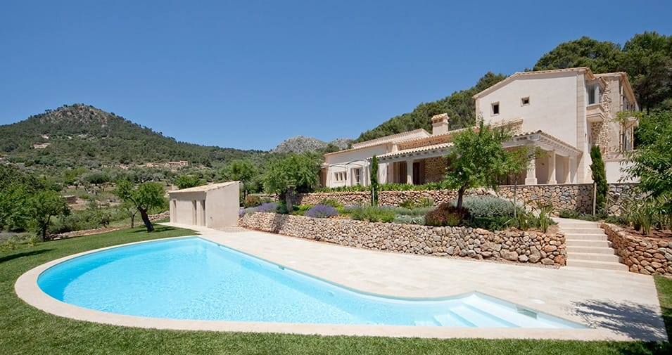 Villa sa coma un alquiler vacacional de estilo r stico for Alquiler pisos sa coma