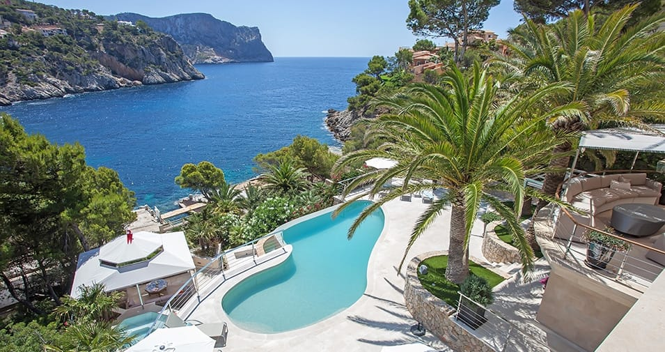 Welcome to the beautiful island of mallorca all about for Mallorca holiday villas
