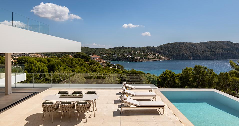 Elegante villa con impresionantes vistas al mar